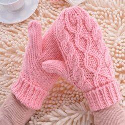 Перчатки и варежки зимние для всей семьи